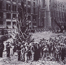 Clyde's Guides and Other Stuff: History of the Rockefeller Center Christmas Tree, Rockefeller ...
