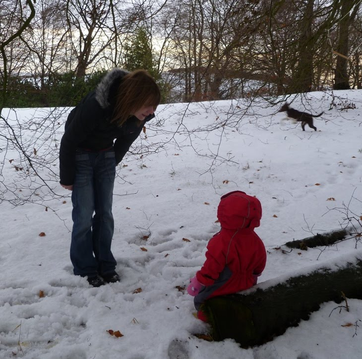 587d0d14bf676 I ve my wellies on and my snowsuit and the garden looks lovely and all but  if Aunt Hannah thinks I m tramping through it she can think again.