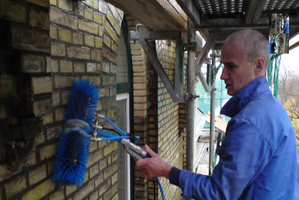 Robinson Solutions Professional Window Cleaning Issa