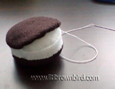 Step10 - Biscoito Oreo de feltro