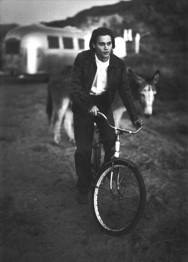 johnny depp, johnny depp bike, bike, celebrities on bikes, cycle chic, 90s, 1990s, nineties, bike fashion, movie star bike, bike pretty, pretty bike, cool bike, johnny depp rides a bike, bicycle, bike chic, desert, johnny depp desert, mark seller, 1994