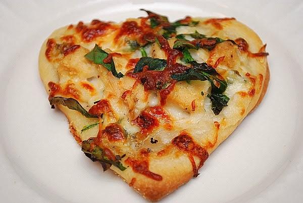 What's Cookin, Chicago?: Spinach & Chicken Pizza Blanco
