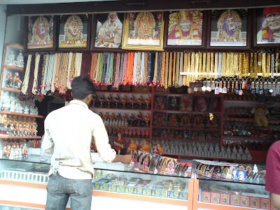 Markets in Shirdi selling a range of items