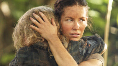 Lost - Recon - Emilie de Ravin as Claire Littleton and Evangeline Lilly as Kate Austen