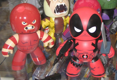 Marvel Universe Mighty Muggs - Juggernaut and Deadpool