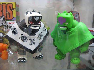 Muttpop - Kozik Tequila 2.0 and Radioactive Tequila 2.0 Vinyl Figures