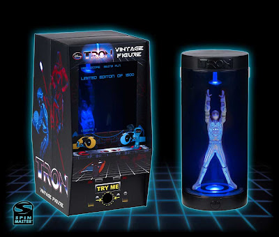 San Diego Comic-Con 2010 Exclusive TRON Vintage Figure with Arcade-Style Packaging by Spin Master