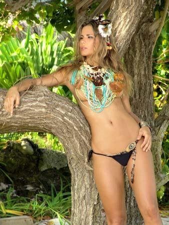 Hermosa colombiana con piernas largas se pone muy cachonda - 4 9