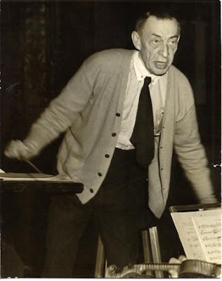 Rajmáninov dirigiendo