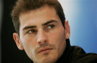 Iker Casillas turns down an massive offer to join Manchester City