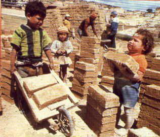 objectifs du mill naire pour le d veloppement le travail des enfants ne conna t pas la crise. Black Bedroom Furniture Sets. Home Design Ideas