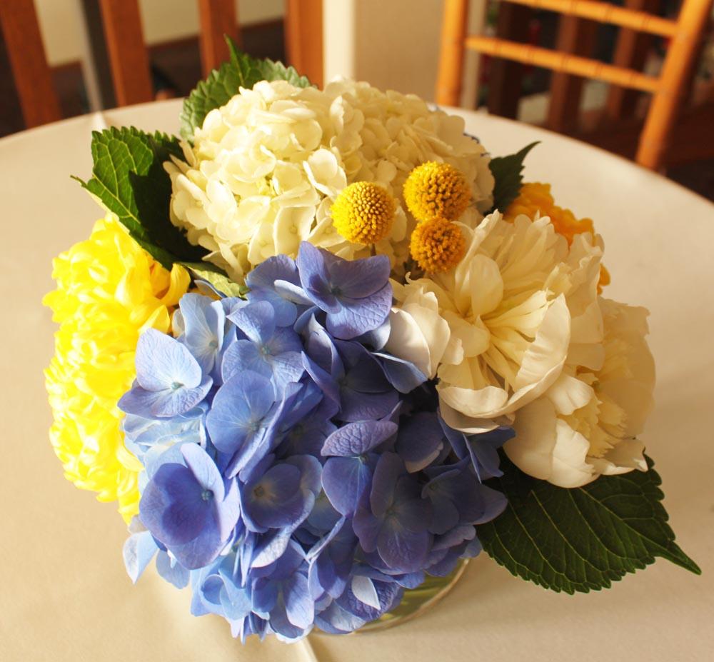 Beach Wedding Flower Arrangements: Brittany Stiles: Redondo Beach Wedding Flowers