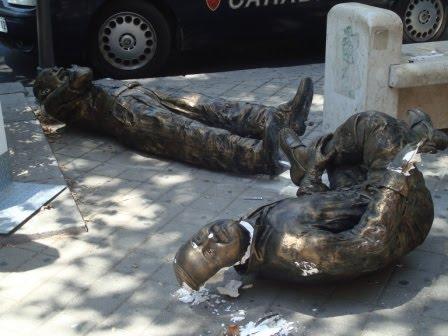 Frammenti a palermo atto di vandalismo contro un 39 opera for Arrediamo insieme palermo