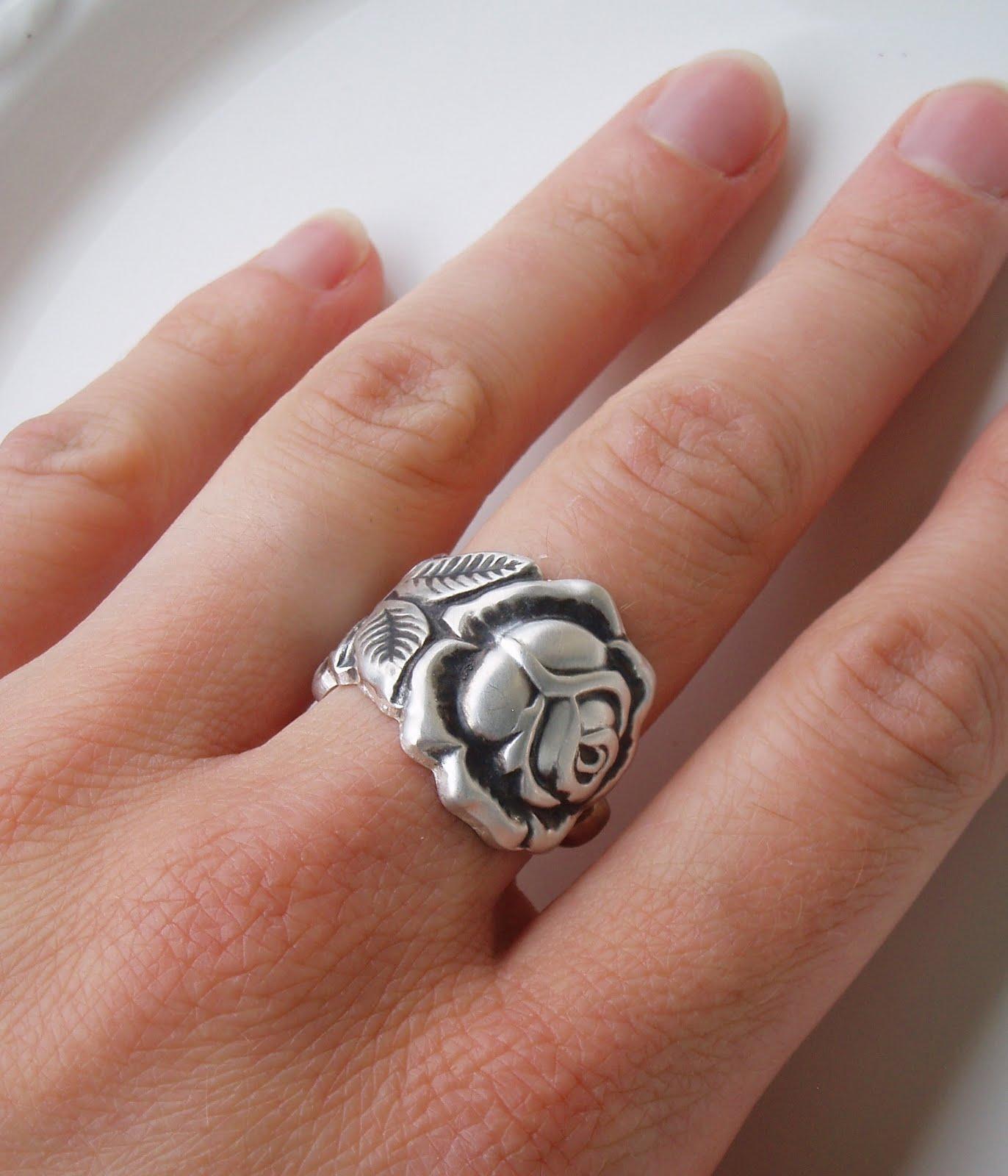 silvermoon ring hildesheimer rose. Black Bedroom Furniture Sets. Home Design Ideas