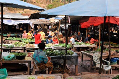 Chợ Viềng: Mr&MrsFitzMorris: Week 12 To 15: Indochina Encompassed