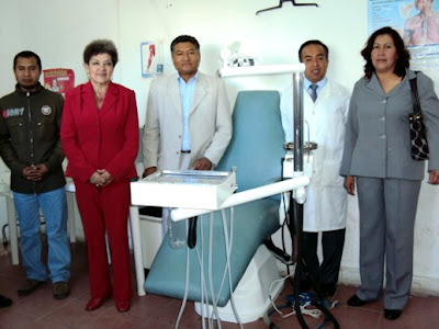 """Santa María Coronango.- El ayuntamiento donó un equipo dental a la primaria  oficial """"Miguel Hidalgo"""" 32f72b212ac"""