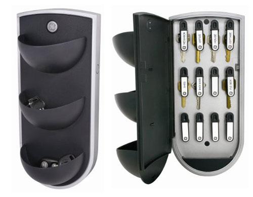 13 Stylish and Functional Key Holder / Rack Designs