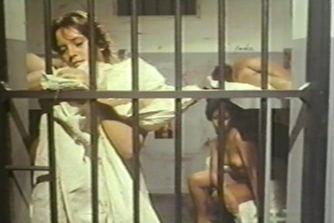 Bare behind bars aka a prisao 1980 4