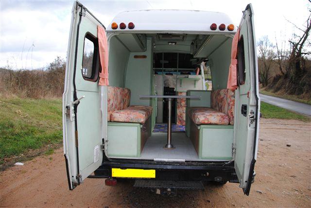 v hicule r cr atif motoris caravaning vendre fourgon am nag mercedes 307d. Black Bedroom Furniture Sets. Home Design Ideas