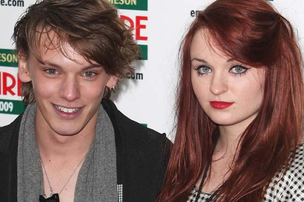 Bonnie Wright And Jamie Campbell Bower Split