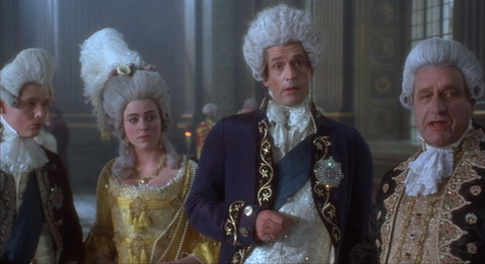 d2b2db38df5e83 Ever wondered why huge, ridiculous powdered wigs became a fashion ...