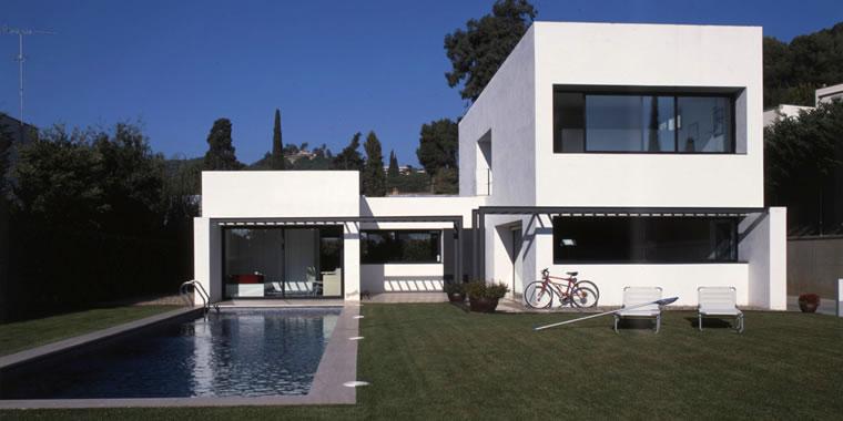 Fotos de casas lindas modernas e luxuosas for Estilos de casas modernas