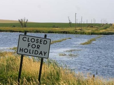 out of the office holiday hours chlosed for christmas tis the season break blogging store