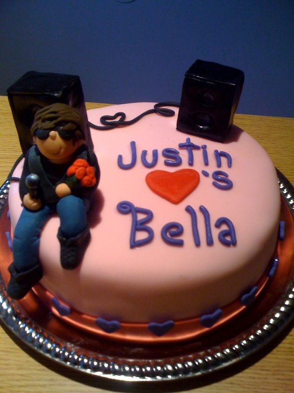 Cake Artists By Day Waitresses By Night Justin Bieber