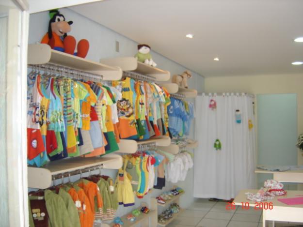 Também mostraremos lojas estrangeiras de roupas de bebê e como importar roupas de bebê de Miami. Descobrindo se a Loja Virtual de Bebê é confiável A mamãe pode descobrir se a loja virtual de roupas de bebê é realmente confiável prestando atenção em algumas características do site.