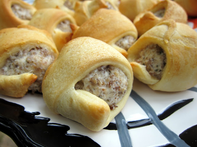 Sausage and Cream Cheese Crescents - only 3 ingredients! Great ...