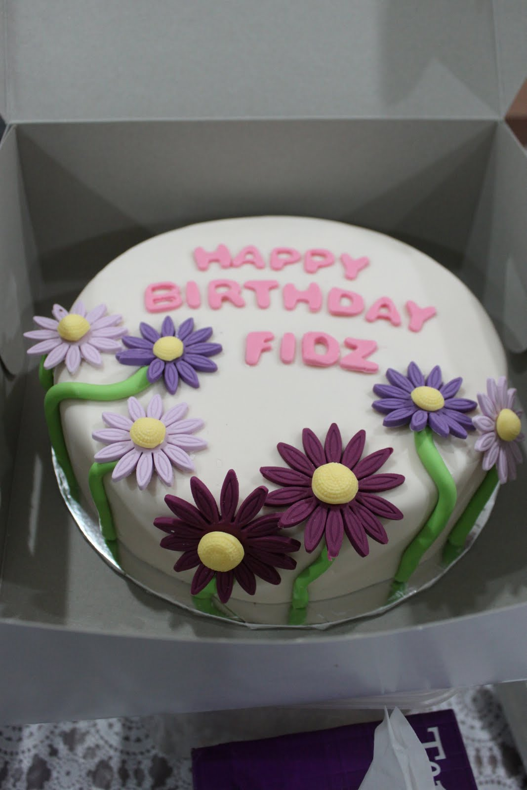 Citscakes Simple Flower Birthday Cake