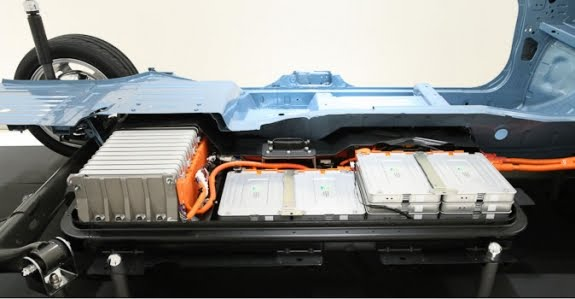 Nissan Long Range Battery May Be Ready by 2015 | Electric