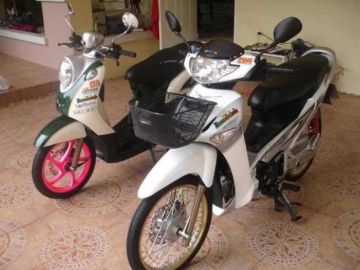 Big Motorycycle: Yamaha Fino Vs Honda Wave