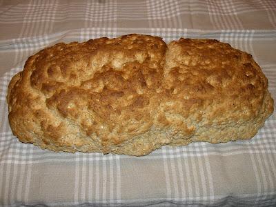 bröd som jäser i ugnen