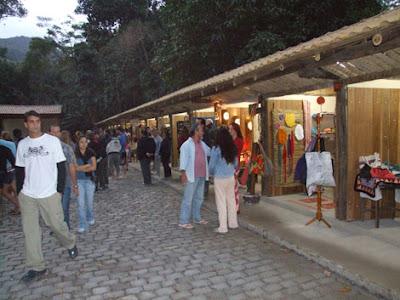 viajando sem frescura rio de janeiro rj sana macae região serrana cachoeiras camping feirinha feira artesanato