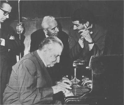 Enrique Deflino toca en Sadaic, junto a el Osvaldo Fresedo en 1966