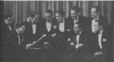 Elvino Vardaro(primero sentado a la derecha) con la orquesta Victor en 1925