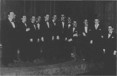 Juan Carlos Miranda con la Orquesta Demare-Vardaro, en 1938. Con él, Elvino Vardaro, Lucio Demare y los músicos Máximo Bocha Mori, Nicolás Pepe y Alfredo Calabró