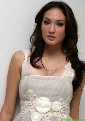 Cewek Cantik17: Indonesia Universe 2006 Universe 2006