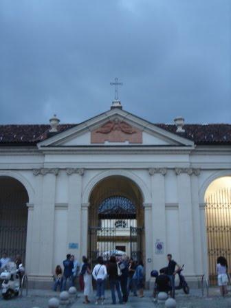 Torino, cimitero degli impiccati