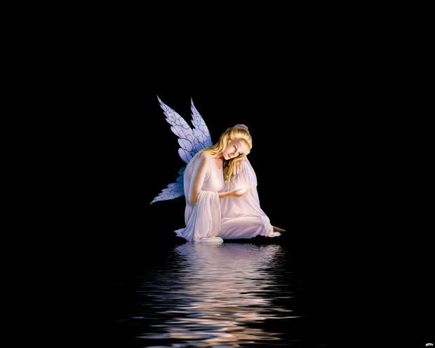 Free Angel Desktop Wallpaper