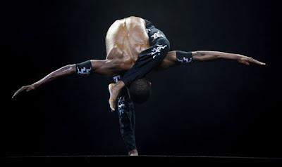 extreme yoga poses  46 pics  curious funny photos