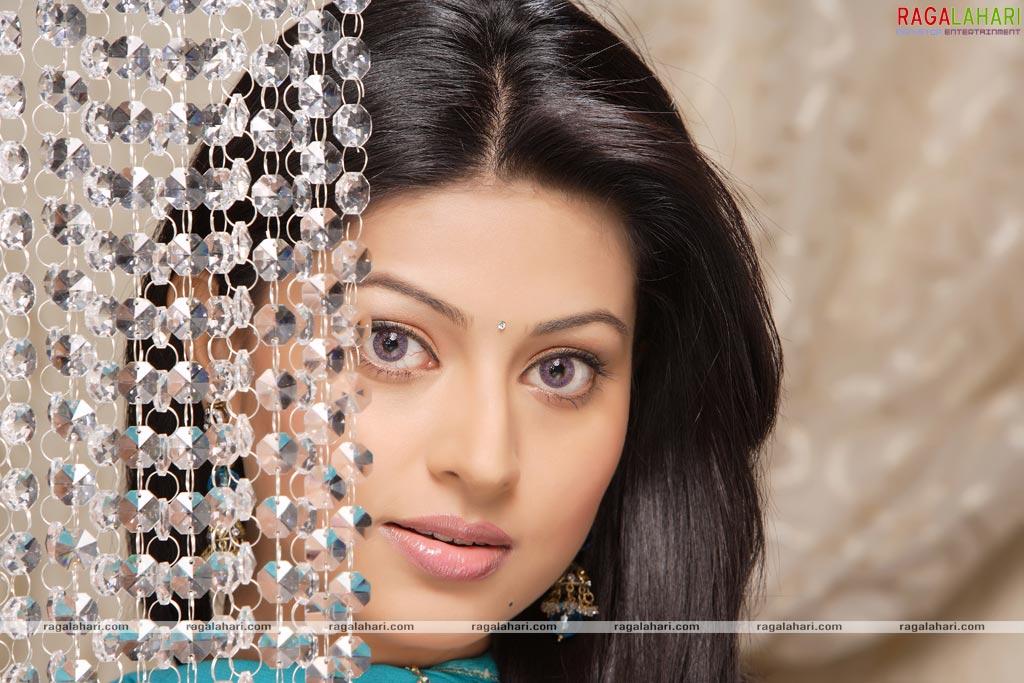 Celebrities: Ravishing Beauty Sneha