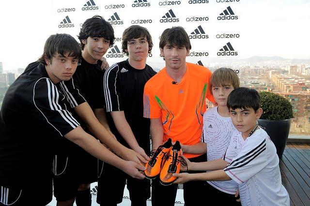 a15d4d11d4 Adidas apresenta as novas chuteiras de Lionel Messi
