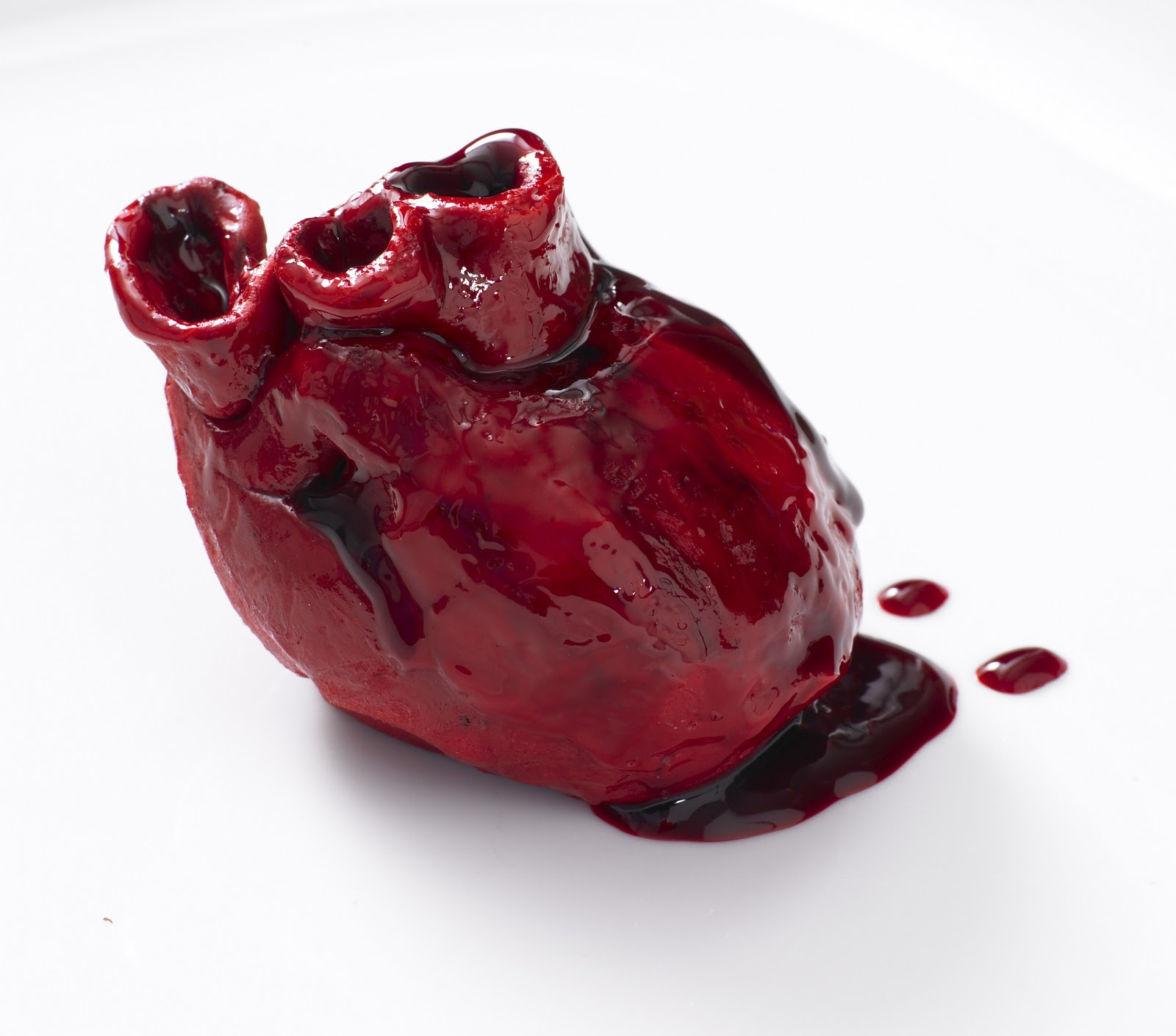 Valentine\'s Day Bleeding Heart Cake