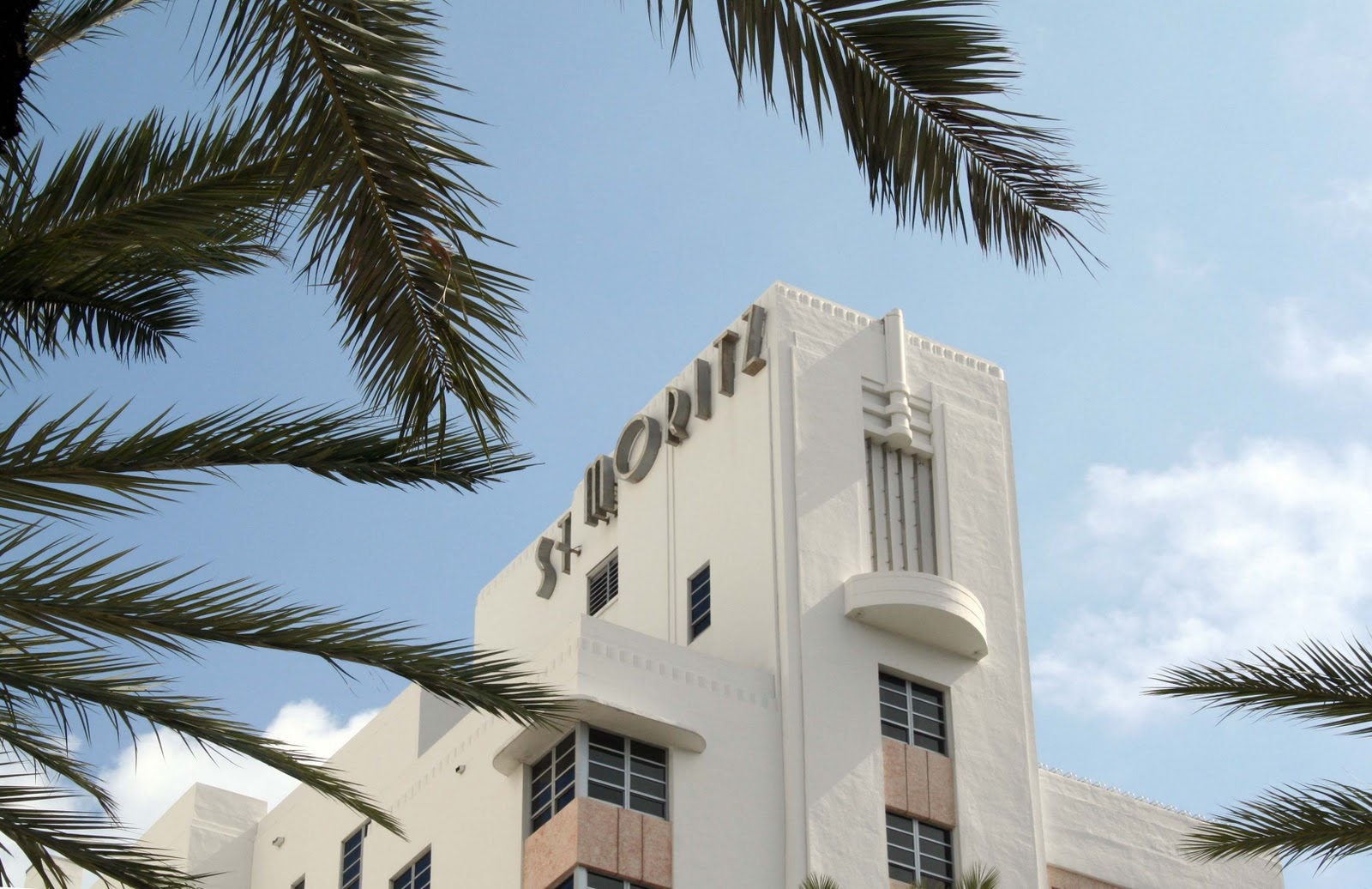 On Collins Avenue Loews Miami Beach Hotel Opened In 1998 Combines A New 17 Story Tower With The 60 Year Old St Moritz Fully Red To