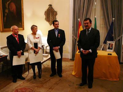 Dra.Ricciarelli, condecorada por la embajada de Italia