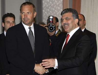 Kevin Coster with the President Abdullah Gül