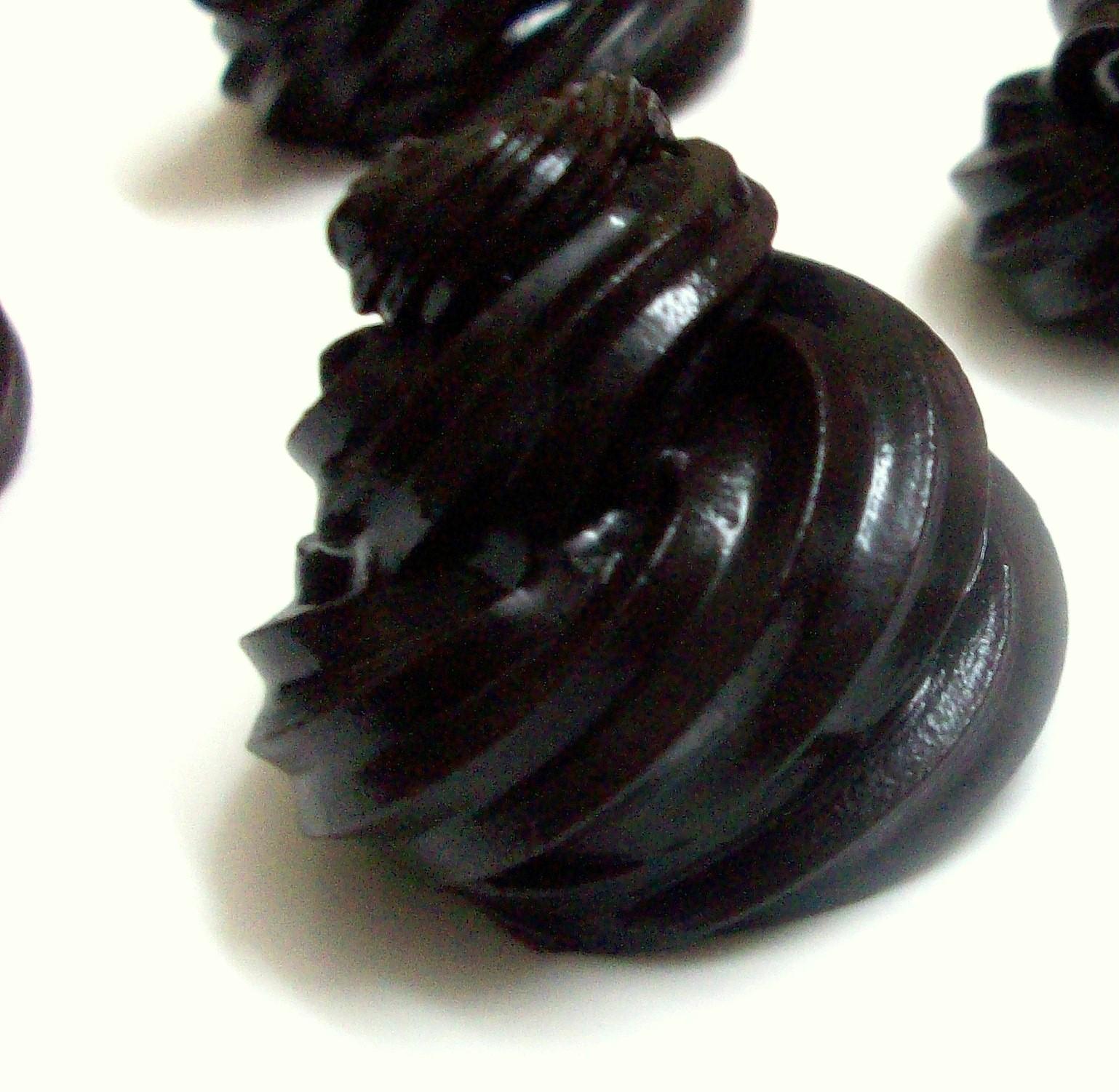 Make Chocolate Ganache Cake