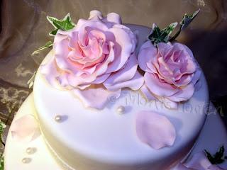 Cici Romantische Hochzeitstorte Mit Rosen